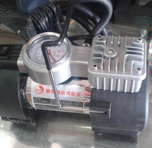 Máy bơm lốp ôtô CYCLONE 3306
