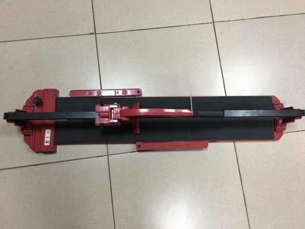 Máy cắt gạch đẩy tay có laze đo vạch chuẩn BBK B03-800 SJ