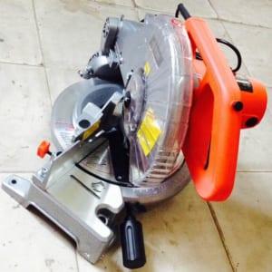 Máy cắt nhôm Gavin GV0940A