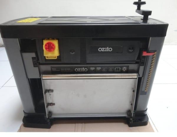 Máy bào gỗ cuộn Ozito 1500W OZT1500WA