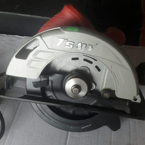 Máy cắt gỗ Amax AM185-01