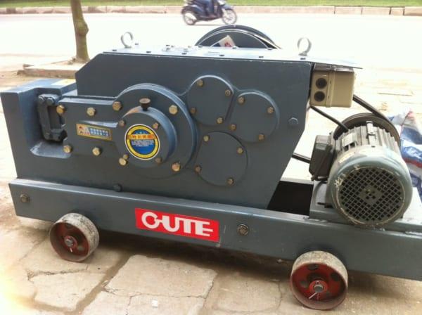 Máy cắt sắt GUTE GQ40 (3000W)